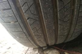 上汽大众朗逸轮胎裂纹