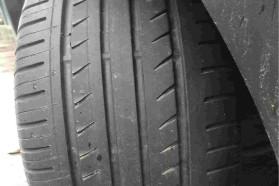 26000公里车轮严重吃胎底盘在坡道上停着异响