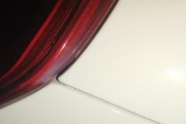 新车保险杠喷过漆
