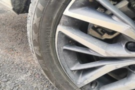 车辆轮胎侧面有补过,有严重安全隐患