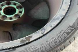 轮毂开裂,奔驰厂家拒绝更换轮毂