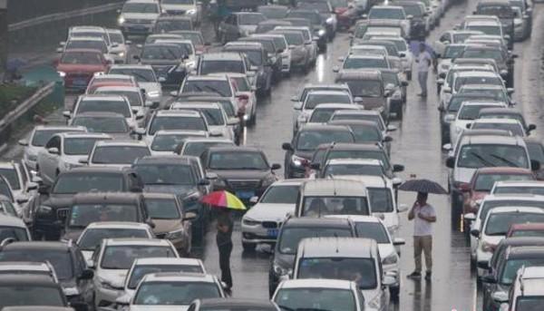 2030年中国汽车保有量稳定 共享出行市值大增