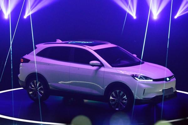 纯电动SUV 威马品牌首款量产车EX5亮相