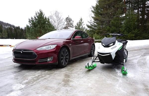 续航百公里 加拿大公司推电动雪地摩托