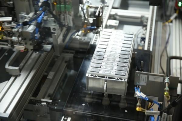宝马集团投入2亿欧元建立电芯技术中心