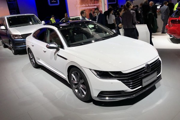 2018北京车展:一汽-大众新一代CC亮相