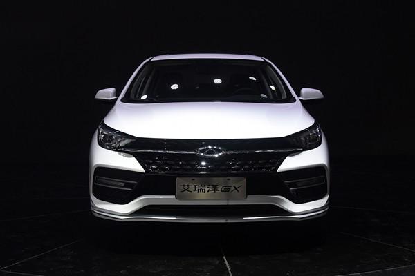 2018北京车展:奇瑞艾瑞泽GX正式亮相