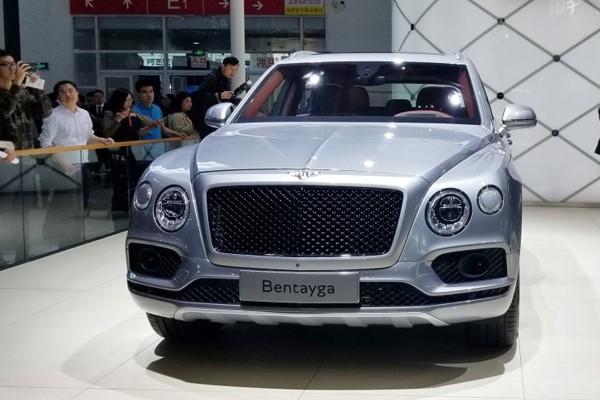 2018北京车展:宾利添越V8售价269万元