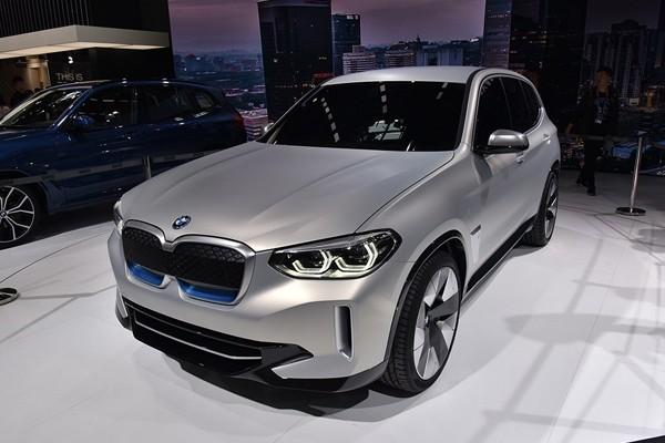 宝马iX3概念车正式亮相 纯电动豪华SUV