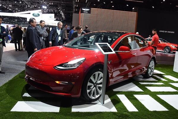 特斯拉Model 3双电机版下周将开启预订
