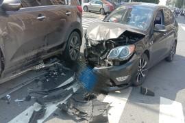 发生严重事故,安全气囊形同摆设,,