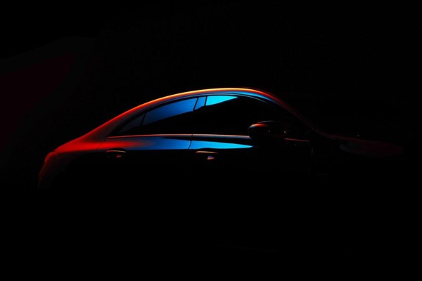新一代奔驰CLA级预告图曝光 沿袭轿跑风