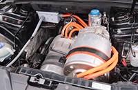 奥迪RS5搭配Model S电动机及电池 改装及整合能力令人惊叹