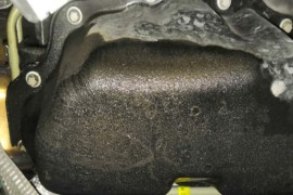 油底壳漏油4s跟厂家互相扯皮