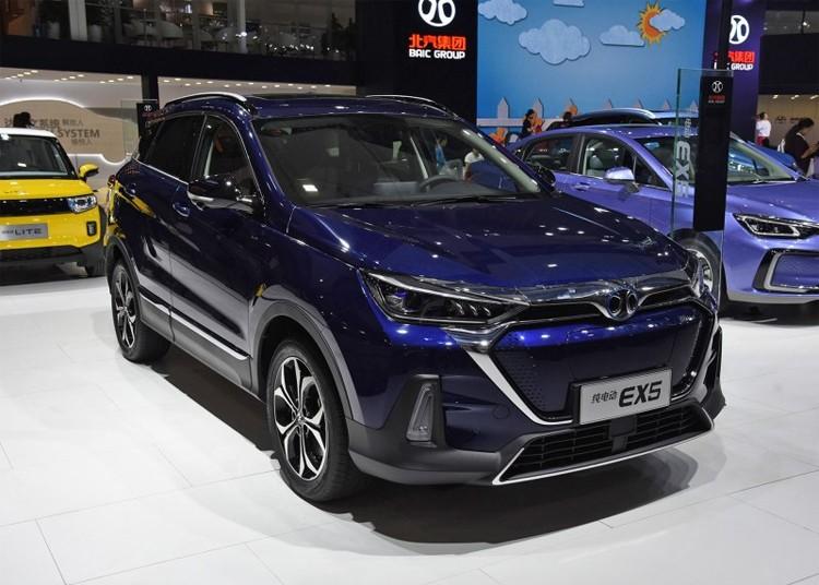 家用纯电SUV干将 北汽新能源EX5售16.99万起