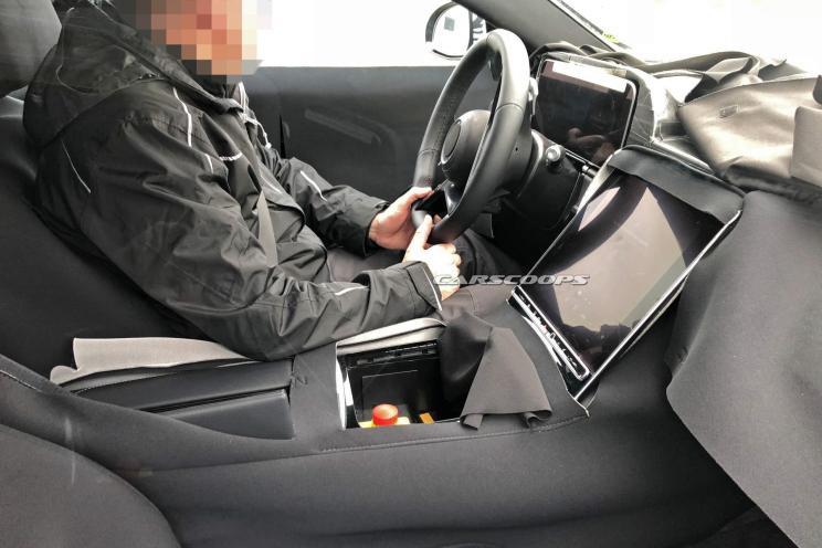 搭载超大中控屏 新一代奔驰S级谍照曝光