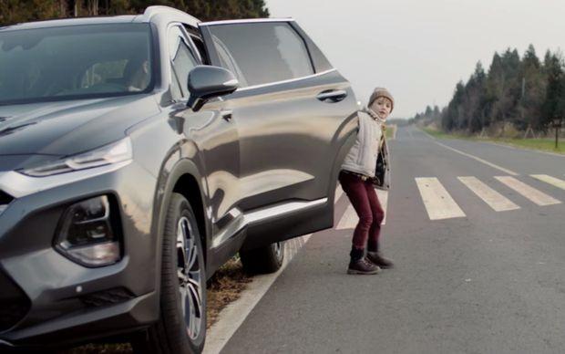 现代汽车推安全下车辅助功能 可防止后排乘客下车时闯入车流