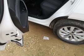 大众途岳后车门设计车门缝正对着轮胎甩泥进来