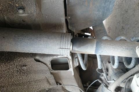 保修期内减震器漏油不与更换,态度蛮横