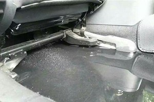 车门设计缺陷,下雨漏水