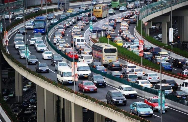 业内预测:汽车销量峰值为4200万辆/年