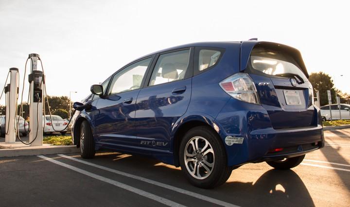 本田合作美国电力公司 将飞度车型废旧电池整合至电网用作储能