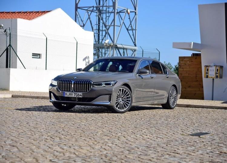 豪华科技感提升明显 新款宝马7系82.8万起售