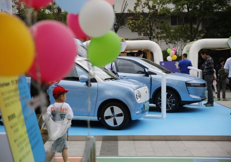"""欧拉联合马赫运动会举办""""车主日""""活动,宣布R1上海正式开售"""