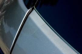 后排罩板自然破裂是车质量问题,投诉华晨中华总店