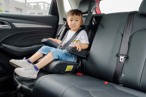 灵活多变·细心呵护荣威RX3一体式儿童安全座椅解析