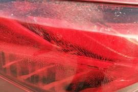 该车俩尾灯外壳内壁有质量问题
