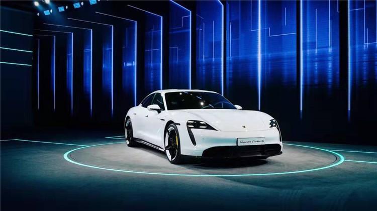 重新定义超豪华电动汽车,保时捷Taycan来了