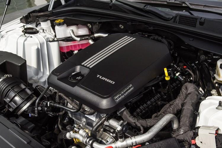 ●编辑点评: 此次推出的凯迪拉克CT5算是此前进口CTS和国产XTS的共同继任车型