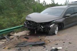 车辆发生事故,撞毁严重,但是安全气囊没有弹出