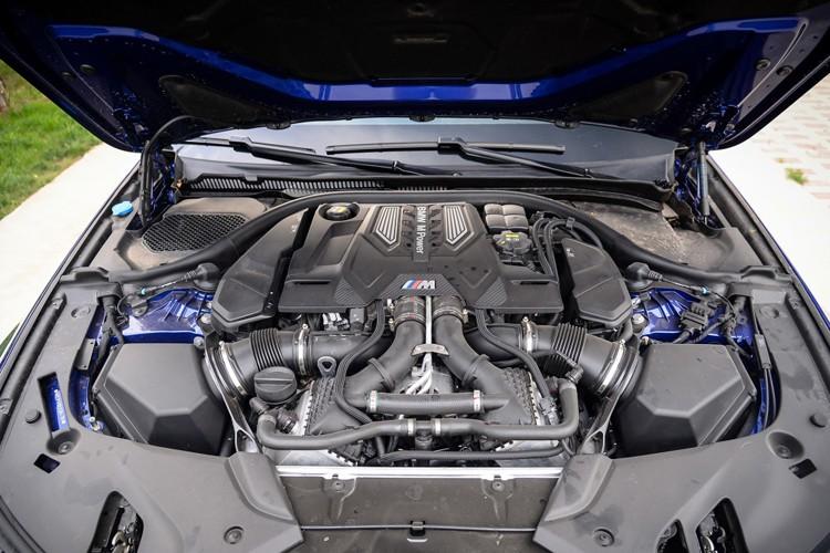 而且路虎捷豹暂时也没有像样的大排量V8引擎开发计划