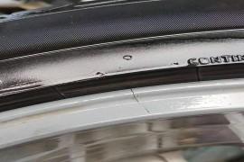 吉利汽车轮毅开裂