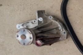 福特新嘉年华水泵漏液