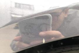 机盖一处两厘米左右划痕,副驾驶前轮眉漏钣金