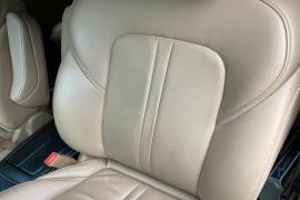 别克GL8行驶2万多公里,主驾驶真皮座椅靠背中间部分出现掉皮