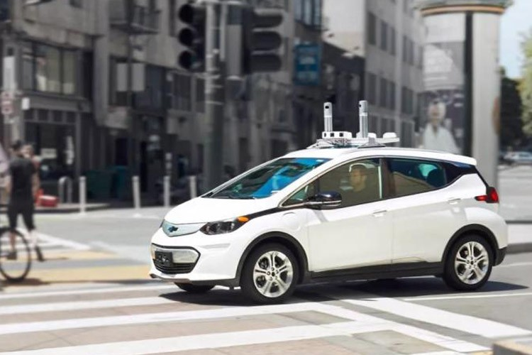 脱离报告不靠谱?自动驾驶需新安全标准