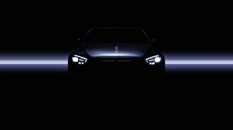 换新LED大灯 新款奔驰E级预告图发布