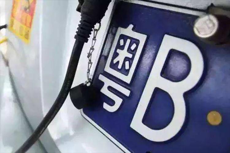 价格又涨了!深圳3月车牌竞价/摇号结果