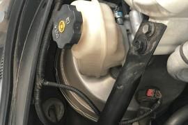 保养跟换刹车油后出现刹车油漏油