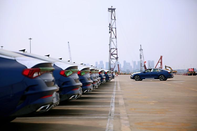 四门轿跑风格 新一代起亚K5将于9月上市