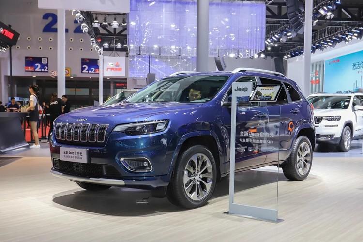 全系搭2.0T引擎 新款Jeep自由光配置信息