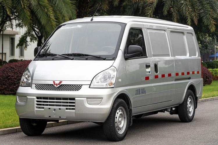 首款自动挡竟是电动车 五菱荣光EV售8.38万起