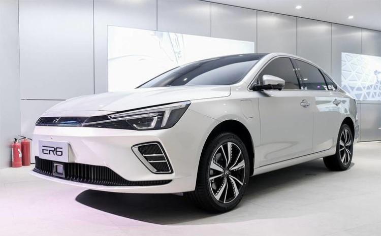 """应用全新""""R""""车标 上汽荣威ER6将7月上市"""