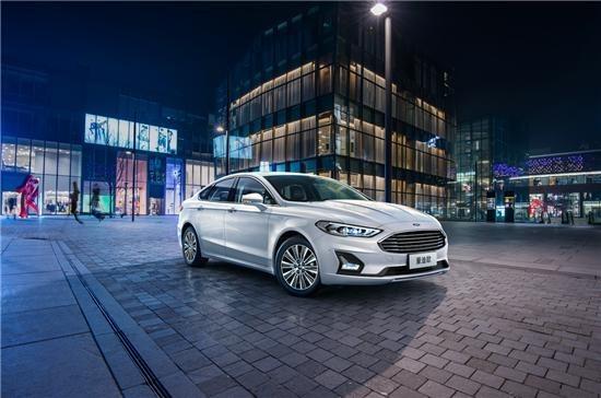 2020款全新福特蒙迪欧上市,小度车载OS带来智能驾乘新体验