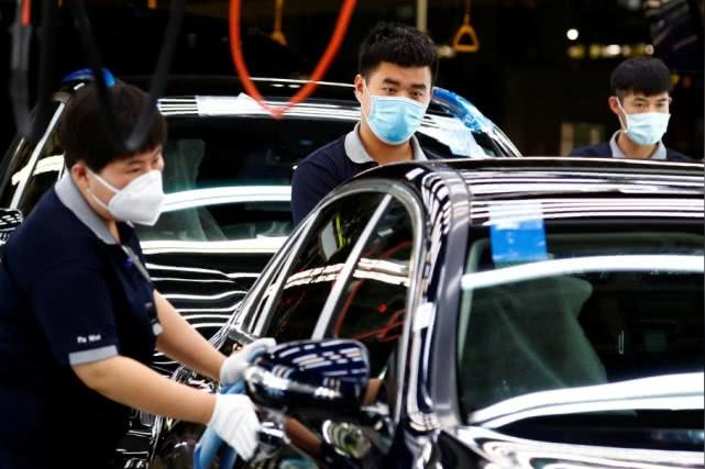 戴姆勒计划参与中国电池制造商价值4.8亿美元的IPO
