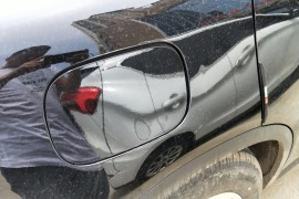 奔驰GLC260L&nbsp4月6号提车,5月23号发现油箱盖断裂!